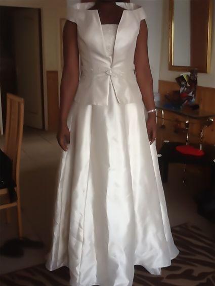 Magnifique robe de mariée marque MARYLISE avec boléro T38-40