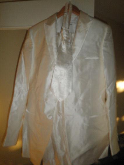 Costume de marié Benton Ecru de marque Barberini en occasion