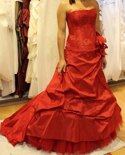 Robe mariee rouge cymbeline