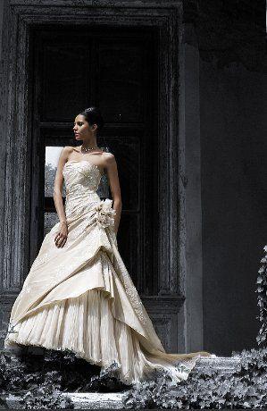 Robe de mariée pas cher Aphélie de Lise Saint Germain 2012 - Occasion du Mariage