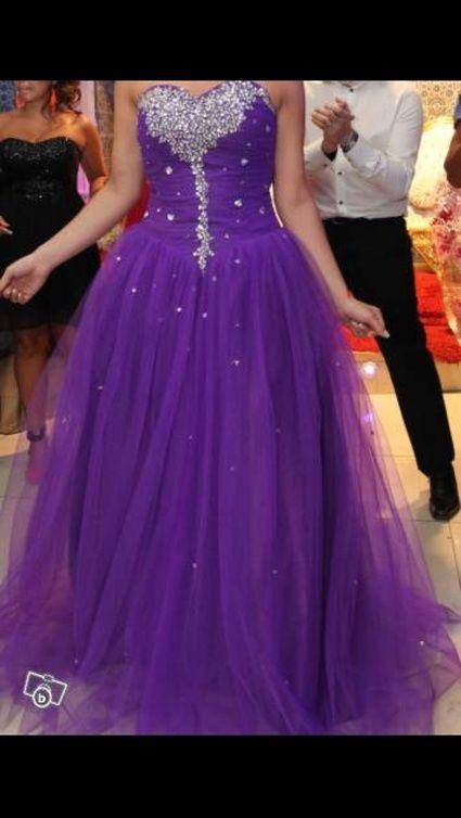 robe de mari e princesse violette en tulle et strass