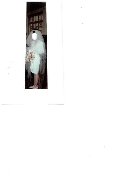 Robe courte de mariée à manches longues pas cher en 2012 - Occasion du Mariage