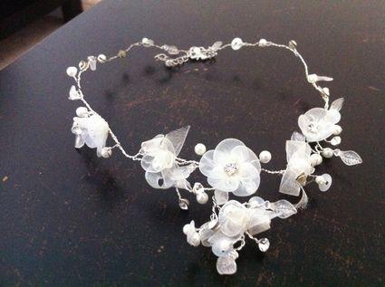 Collier + bijoux à cheveux de mariée de chez Point Mariage à Marseille 2012