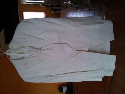 Costume de marié d'occasion ivoire - pantalon + veste + gilet + chemise
