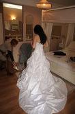Robe de mariage d'occasion avec jupon, collier et voile