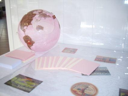 Urne en forme de globe terrestre en décoration de mariage