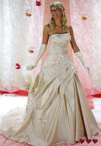 Robe de mariée champagne pas cher 2012 - Occasion du mariage