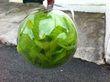 4 Boules avec plumes vertes anis - Occasion du Mariage