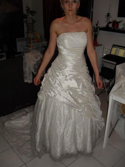 Robe de mariée pas cher Ian Stewaert 2012 - Occasion du Mariage