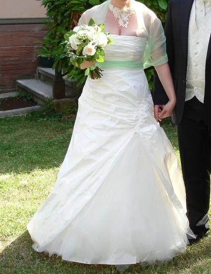 Robe de mariée FIORD Bochet d'occasion + jupon pas cher