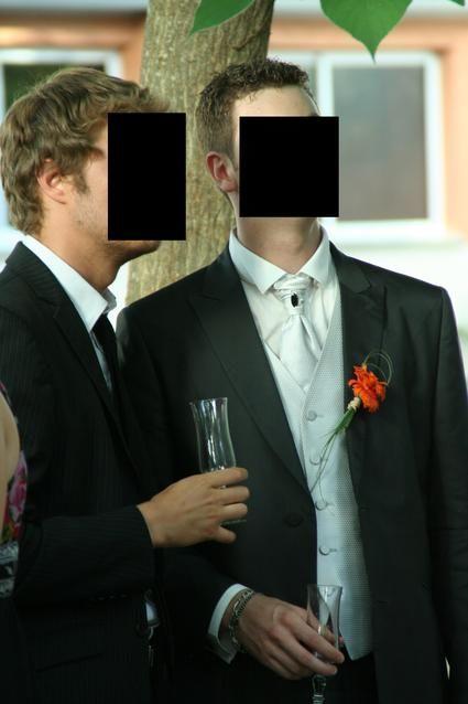 Chemise blanche de marié + gilet et lavaliere et pochette d'occasion