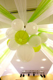 30 boules chinoises 45 cm blanches et vert anis - Occasion du Mariage