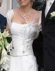 Robe de Mariée ivoire + jupon + bijoux collier de perles pas cher