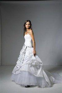 Robe de mariée Cymbeline modèle Bali taille 40 avec voile pas cher