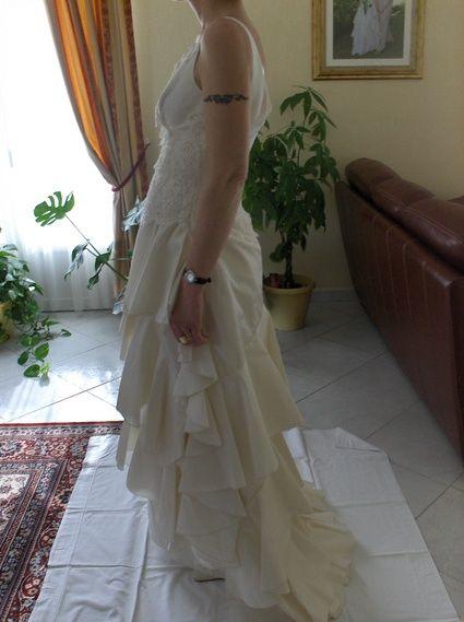Robe de mariée longue pas cher et d'occasion 2012 - Occasion du mariage
