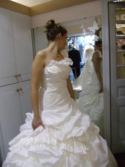Robe de mariée modèle monica de loanne 2011 - Occasion du Mariage