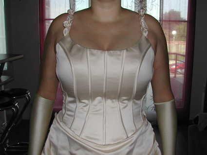 Robe de mariée Pronuptia avec gants, voile et jupon d'occasion en 2013