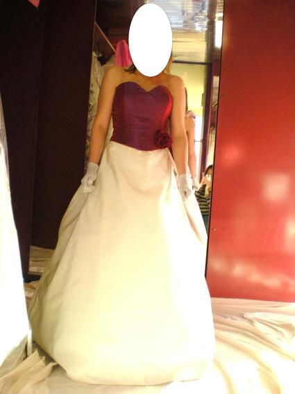 Robe de mariée jamais mise avec manteau neuf