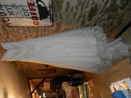 robe demetrios - Sèvres (Deux)
