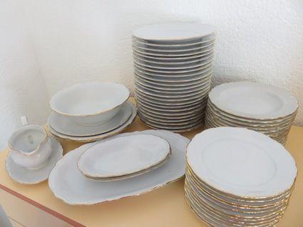 lot de vaisselle vintage pour environ 50 personnes d co mariage h rault. Black Bedroom Furniture Sets. Home Design Ideas