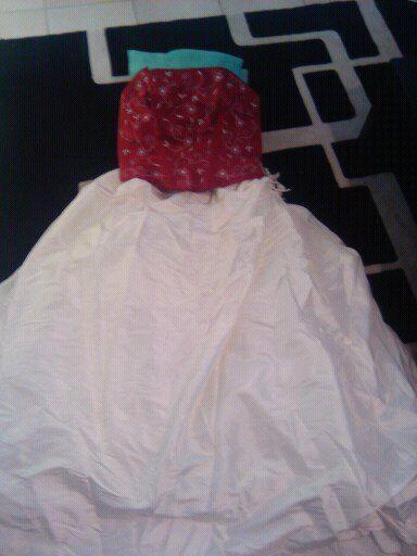 Robe de mariée beige/bordeaux d'occasion