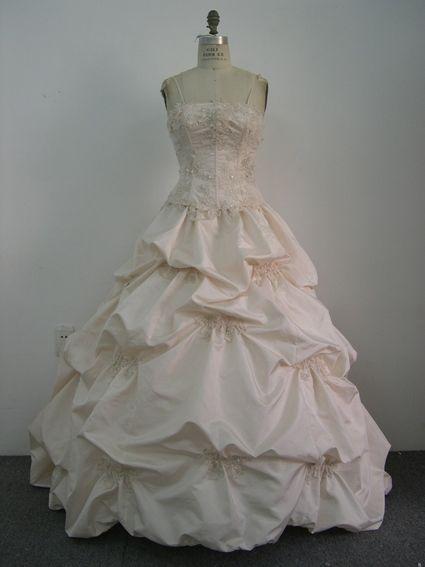Création et confection robe de mariée pas cher en 2013 - Occasion du Mariage