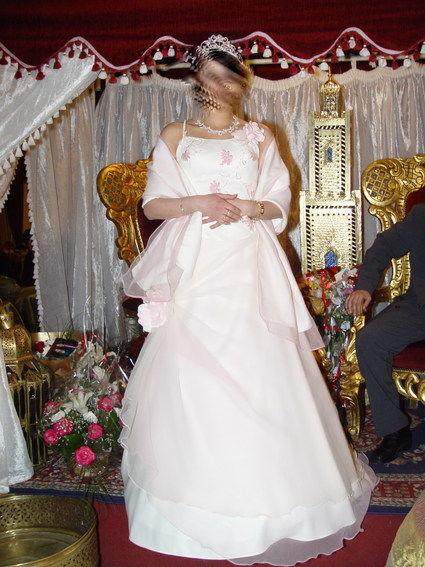 2 belles robes de mariée fushia et rose taille 36 à 42 d'occasion