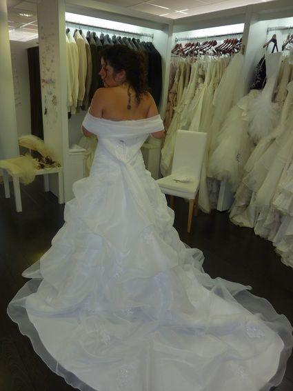 Robe de mariée pas cher ave corset et jupon - Bretagne 2012 ...