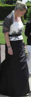 Robe de mariée Linéa Raffaelli noire et blanche pas cher