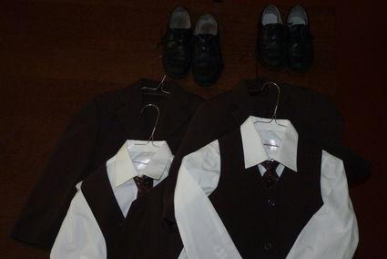 Costumes de mariage garçons 4 et 6 ans pas cher en 2012 - Occasion du Mariage