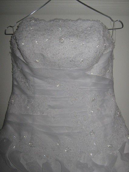 Robe de mariée bustier d'occasion couleur blanche avec jupon