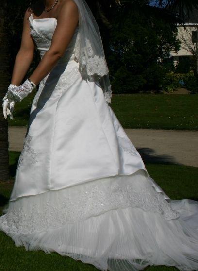 Robe de mariée d'occasion en dentelle de calais 2012 - Occasion du Mariage