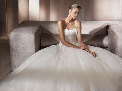 Robe de mariée Pronovias modèle Planeta T.36 d'occasion