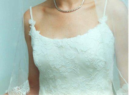 Robe de mariée Cymbeline d'occasion avec voile, jupon et gants