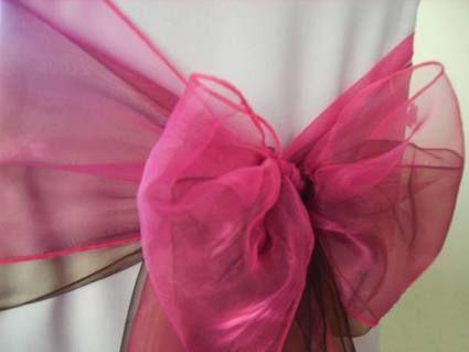 Noeuds de chaise pour réception de mariage
