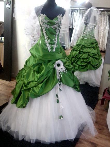 Robe de mariée encore chez le créateur neuve