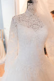 Robe mariage manches longues dentelle - Occasion du Mariage