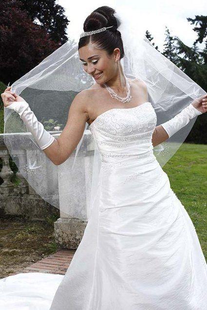 Robe de mariée neuve avec étiquette jamais portée T36/38 pas cher