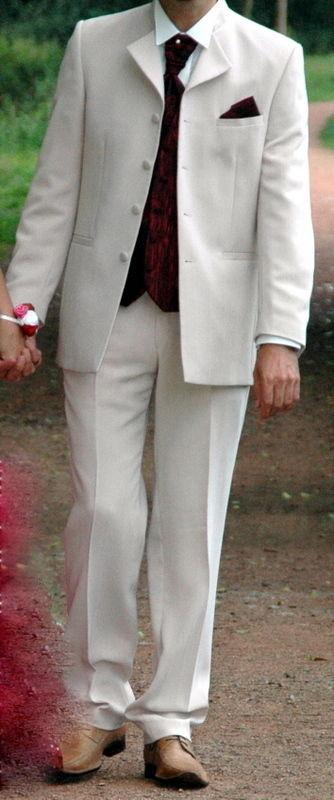 Costume de marié pas cher 2012 - Occasion du mariage