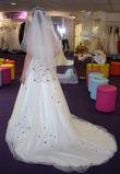 Robe de mariée Point Mariage T 36/38 + jupon + voiles + étole