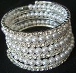 Bracelet en perle et strass pas cher d'occasion 2012 - Languedoc Roussillon - Hérault - Occasion du Mariage