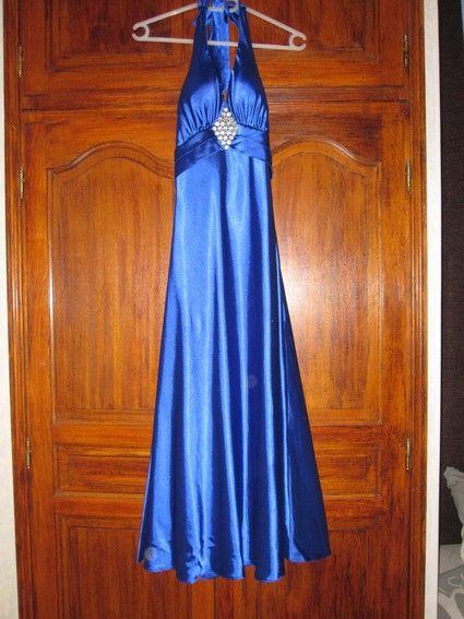 Robe soirée longue Bleu en très bon état