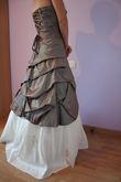Robe de mariée neuve couleur taupe et écru taille 40