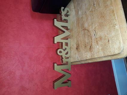 decoration de table lettres dorees Mr Mrs - Rhône