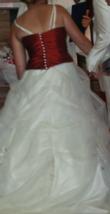 Robe de marié écru et bordeaux - Occasion du Mariage
