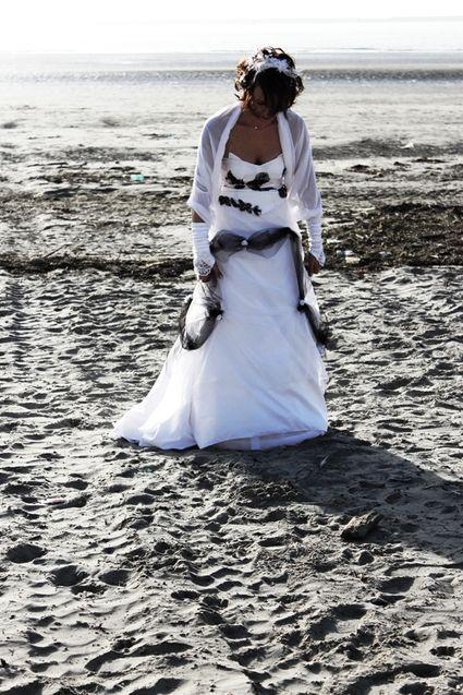 Robe de mariée T36/38 blanche et noire pas cher 2012 - Occasion du Mariage