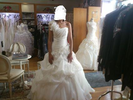 Robe de mariée ivoire d'occasion collection 2012 + chaussures
