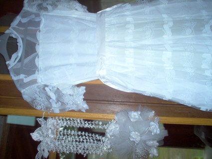 Robe de mariée d'occasion avec voile, gants, bouquet et parure pour cheveux