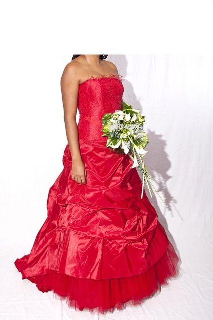 Robe de mariée Cymbeline Créole Rouge romantique et pas cher - Occasion du Mariage