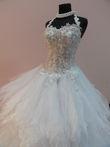 Robe de mariée d'ocassion en très bon état à Paris